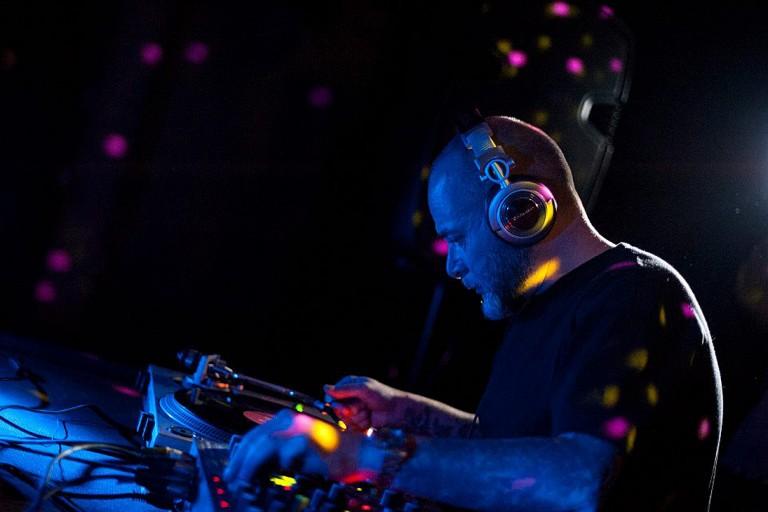 HERMINIO AFONSO + ANIA CASARES DJ SET